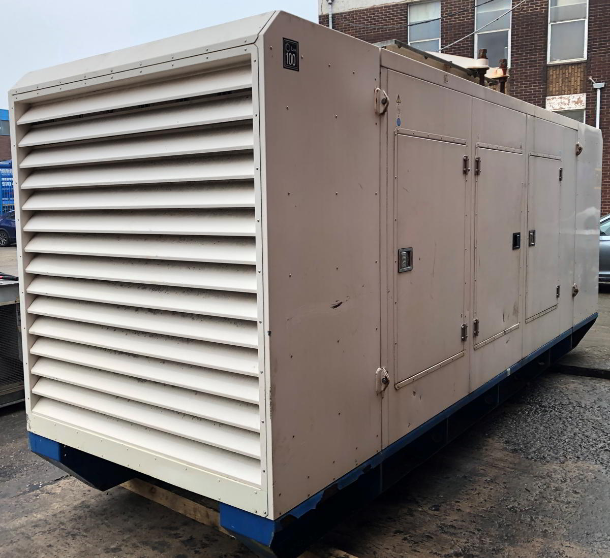 500 KVA F G Wilson Perkins Leroy Somer Acoustic Generator 3