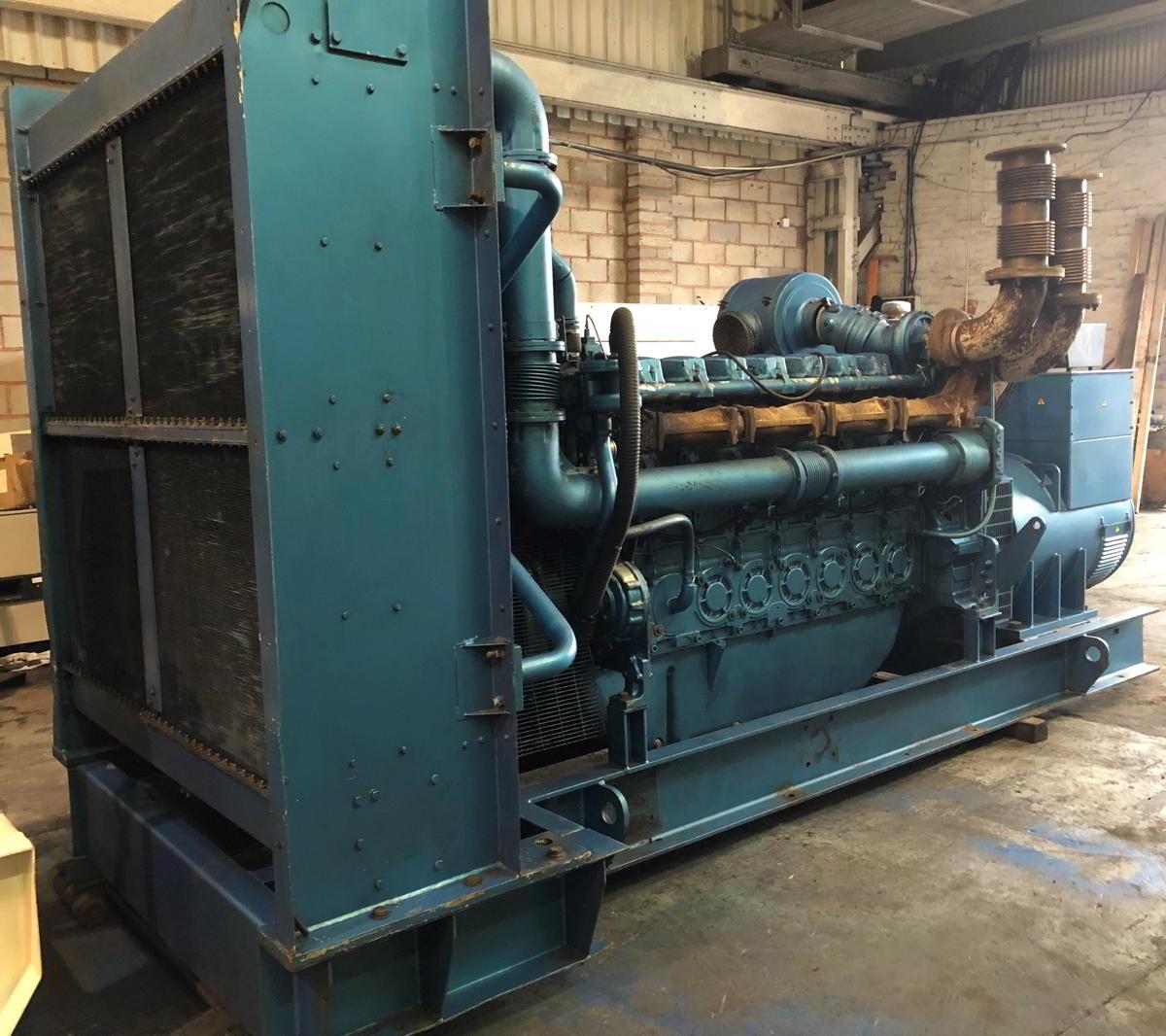 1100 Kva Perkins Stamford Open Type Generator 4