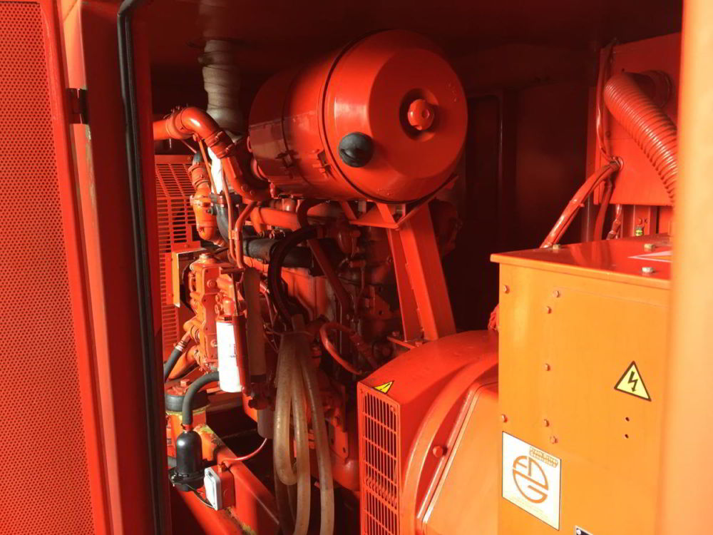 140 KVA Iveco Stamford Acoustic Used Generator 2