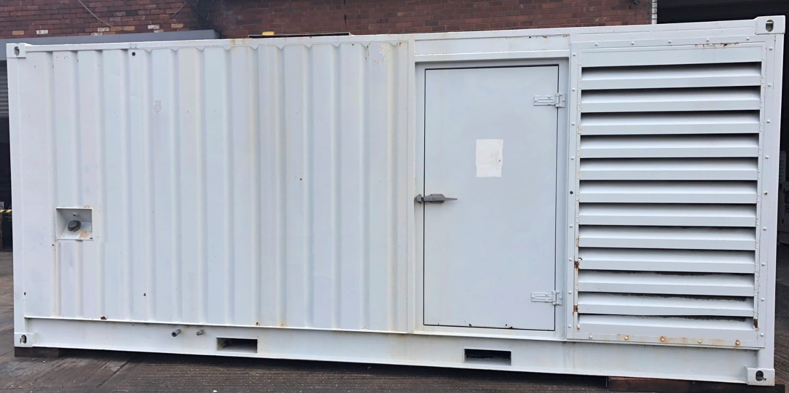 891 KVA Cummins Stamford in a 20 ft Acoustic Container