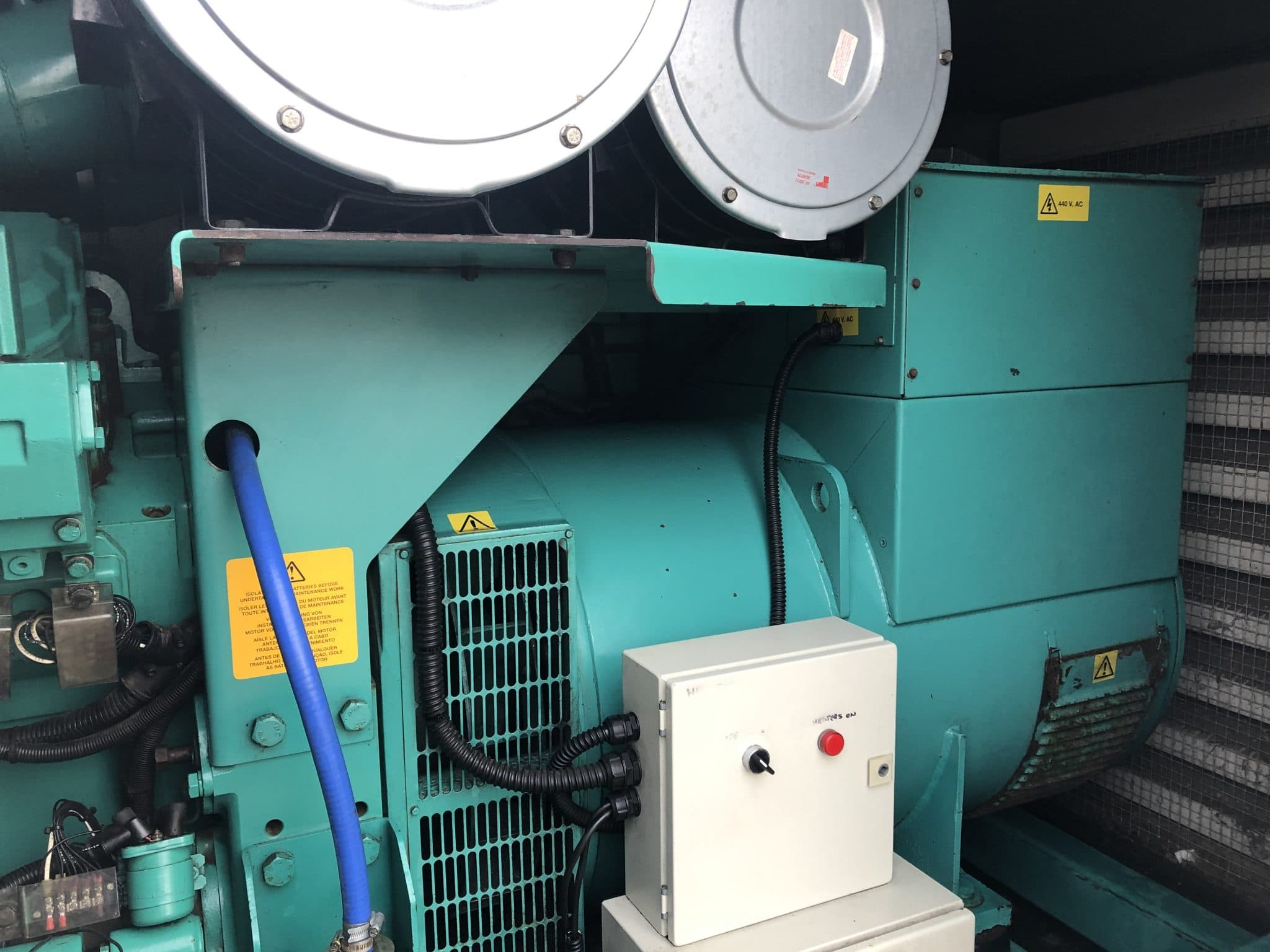891 KVA Cummins Stamford in a 20 ft Acoustic Container 6