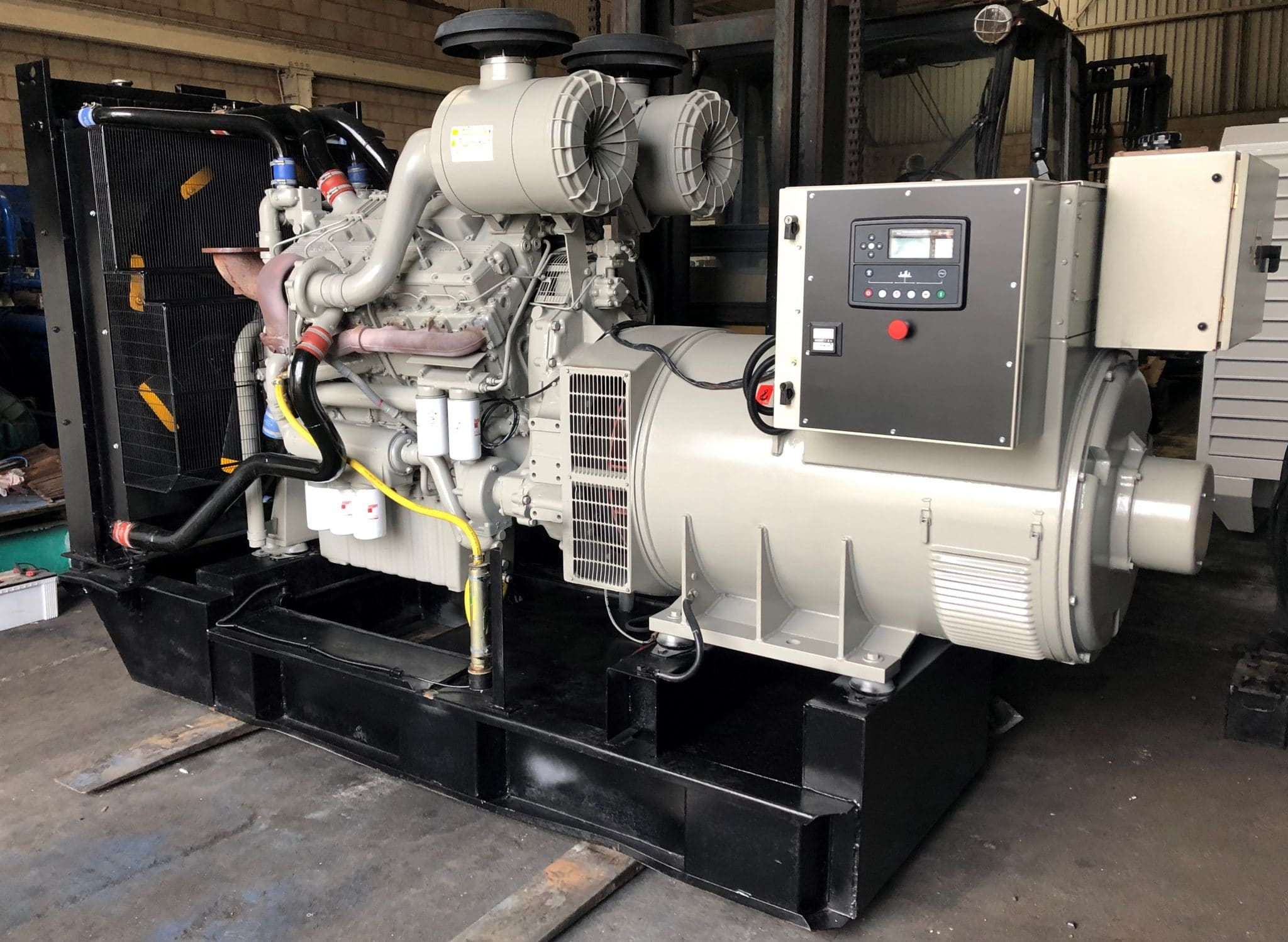 800 KVA Perkins Stamford Open Type Diesel Generator