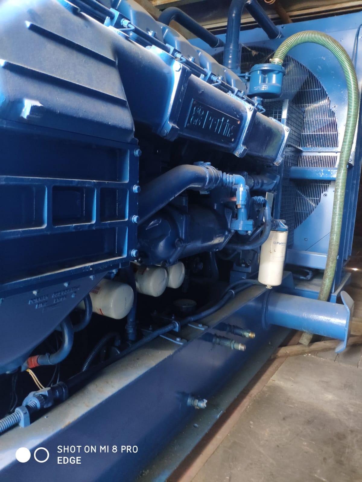 Used 1400 Kva Perkins/Stamford Open Type Generator 2