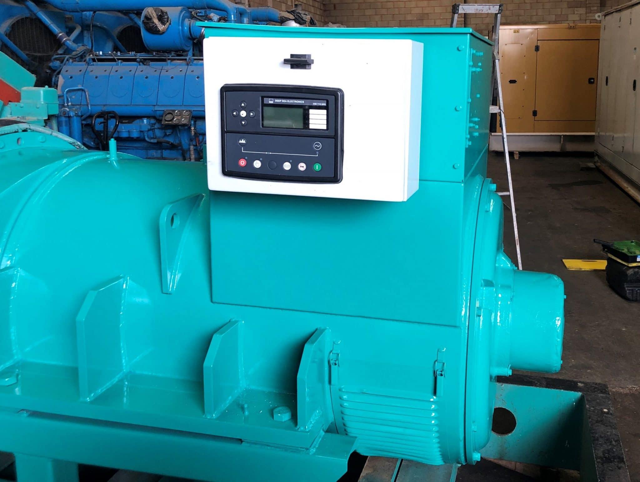 1000 kVA Cummins KTTA-50-G Generator panels