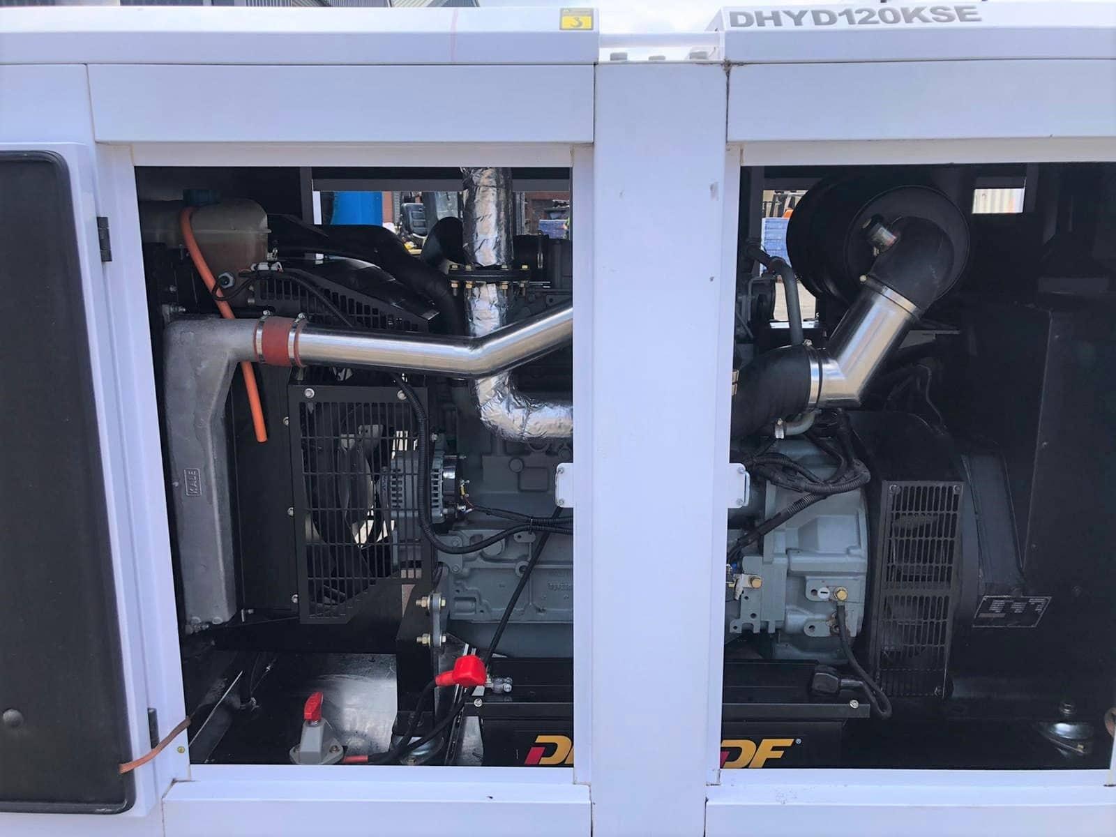 120 kVA Hyundai DHYD120KSE Deutz/Stamford Acoustic Generator inside 2